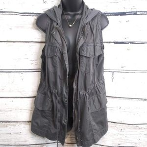 Mudd/ Gray and Green Utility Vests/ XL and L